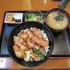 海鮮炉端と寿司 やよい - 料理写真:阿波尾鶏炙り丼 990円