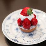 フランス焼菓子 シャンドゥリエ - 料理写真:2020年1月再訪:タルト・オ・フレーズ☆