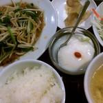 12327708 - レバニラ定食・餃子付き(930円)