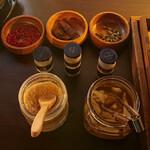 41CURRY - 自分でスパイスや生姜を 調合するチャイ(無料サービス)