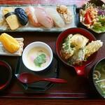 すし勝 - 料理写真:寿司定食1100円(ランチ)