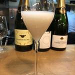 シャンパーニュ スタンド デゴルジュマン - 常連さんの新年振る舞い酒(甘酒)