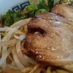 伊吹商店 - 煮豚チャーシューにモヤシ