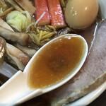 一条流がんこラーメン総本家 - 剥きガキ5キロ使用のじんわり余韻あるスープ