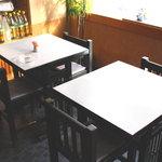 なかむら - テーブル席(カップルに大人気)
