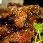 ひだまり庵 - ステーキ丼 大盛 タレをゼラチンで固めてある