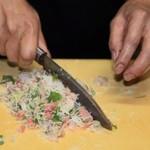寿し膳かのこ - 刺身から寿司へ(2):トントントンと細かく切ります