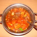 天心 酒菜厨房 - 始めは「牛肉とトマト鍋」から・・・