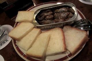 アザブバー - 牡蠣の燻製¥500