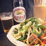 福本屋 - 料理写真:レバニラ炒め&キリンラガービール