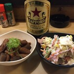 大須亭 - 名物どて煮とサラダ