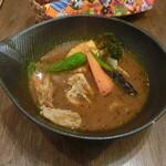 スープカレーlavi - こりこり肉付きヤゲン軟骨野菜カレー(オリジナルスープ仕立て)