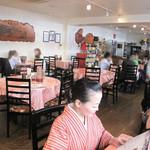 点心楼 台北 - 雰囲気は高級中華レストランと中華食堂の中間くらいかな。カウンター席はありません。