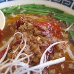 12332496 - 唐辛子のぶつ切りがたくさん入った肉味噌。中国山椒の風味も効いてます。