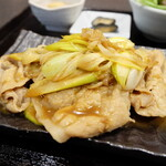 蔵元直営 糀カフェ 悠久乃蔵 - コクがある生姜焼き