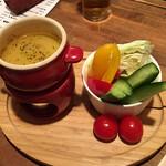 やきとん だいだら - 季節野菜のバーニャカウダ 580円(税別)
