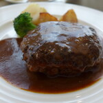 Bistro Bisque - 料理写真:ランチハンバーグ