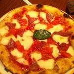 12334803 - おすすめのピッザ。ペロリといけます。