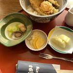 魚夏 - 煮物(フキ・アワビ・真子)・漬物・デザートのりんご