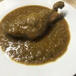 サーラ ダイニング カフェ - ダックの肉:その脂がマサラ味にビリビリしびれる