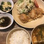 グリーンズカフェ - ノンフライ鶏の唐揚げ