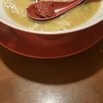 麺屋 八感 - ペースト化寸前なスープ。
