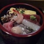 12336042 - ちらし寿司。これで600円です。