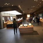 三輪山本 お食事処 - 販売スペースです