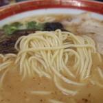 大黒ラーメン - 中太麺♪にんにくが効いたスープ