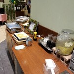 CAFE and GRILL HIPA HIPA - 店内の様子。