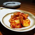 焼肉ホルモンとりとん - 白菜キムチ