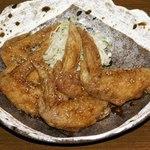 山本屋 - この手羽先は肉厚で食べ応え、味ともに絶品