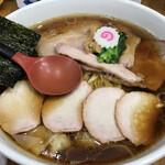 123382793 - 醤油 焼豚ワンタン麺 大盛