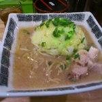 らーめん紫龍 - 紫龍ラーメン(750円)野菜ふつう、脂ふつう