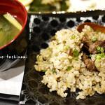 和の料理 ふじ - 和牛入りガーリック焼き飯