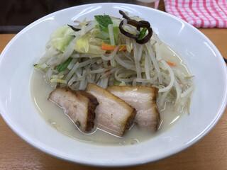 富白 - 鶏ぶた塩タンメン890円