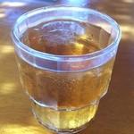 柿葉 - ドリンク写真:ひんやり冷たいそば茶!