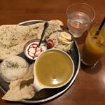 カフェ ヒマラヤ -