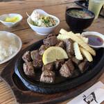 焼肉乃我那覇 - 料理写真:サイコロステーキ定食300g ¥1200