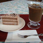 レストラン&喫茶 みのり - ケーキセット。チョコケーキだったのでほぼかちにあげた