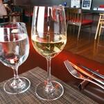 トラットリア スタジオーネ - グラスワイン(白)