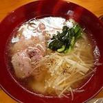 12342606 - 透き通ったスープが美しい米塩ラーメン(650円)