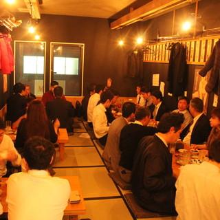 カウンターでの立ち飲み+2階のお座敷は40名様宴会もOK!