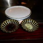 六本木モンシェルトントン -  車海老と帆立貝の鉄板焼用のポン酢と、アンチョビのバターソースです。