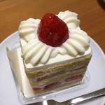 123436219 - 苺のショートケーキ(税込 572円)評価=○