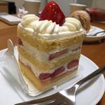 123436223 - 苺のショートケーキ(税込 572円)評価=○