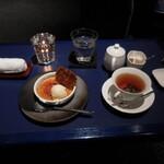 六本木モンシェルトントン -  食後のデザートのクレームブリュレ・バニラアイスクリームのせと紅茶です。