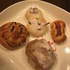 石窯工房ベルべ - 料理写真:アンパンマン  雪だるま 林檎と胡桃のトスカーナ  ミニジャーマン