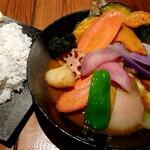 123443295 - チキンと鎌倉三浦16品目野菜のスープカレー