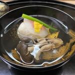 123448157 - 椀物〜海老新庄にしめじ茸の椀物。柚子を効かせて。
